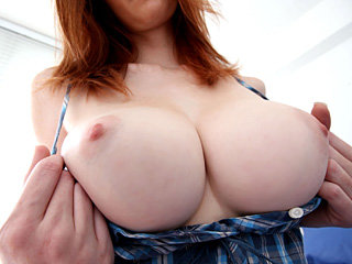 Sexy big boobed chick Dee Dee Lynn..