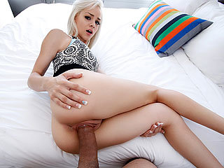 Blonde chick Elsa Dream enjoys her..
