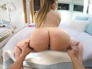 Lovely fat ass chick Klara Gold gets..
